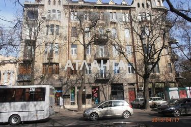 продается 3-комнатная в Приморском районе — 80000 у.е.